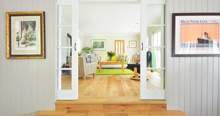 Rekonstrukce od základů po střechu: Jak na obývací pokoj?