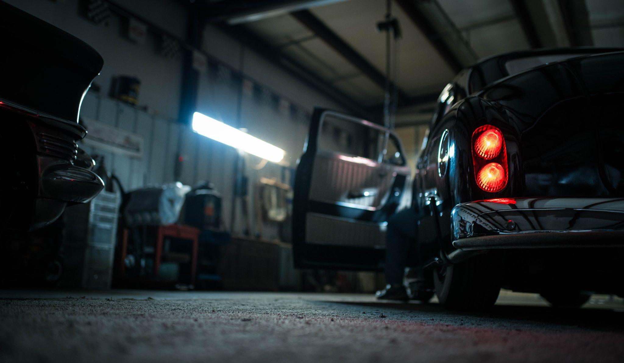 vytížená podlaha v garáži