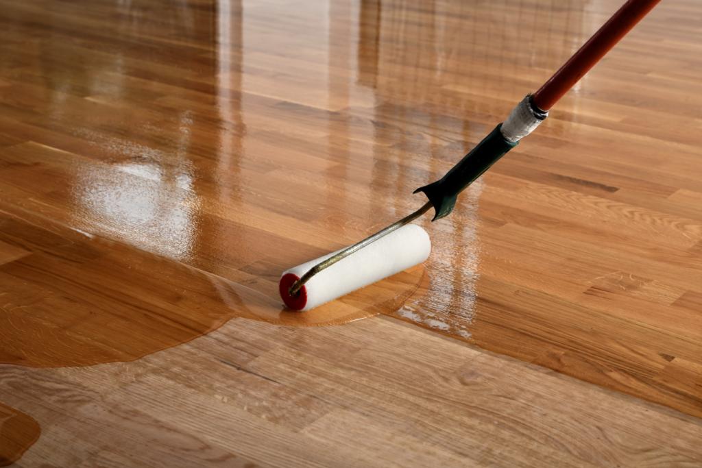 údržba dřevěné podlahy olejem